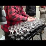 Street Artist Plays Hallelujah With Glasses